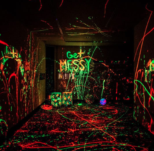 Halloween Paints And Projects Haunted House Paint Glow In The Dark Paint